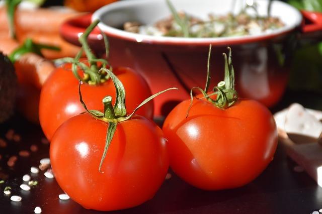 עגבניות ממולאות: מתכון ביתי וטעים במיוחד!